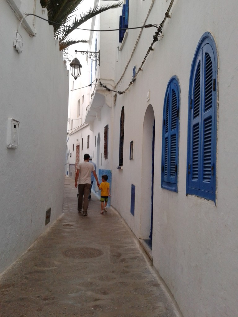 small street in Asilah